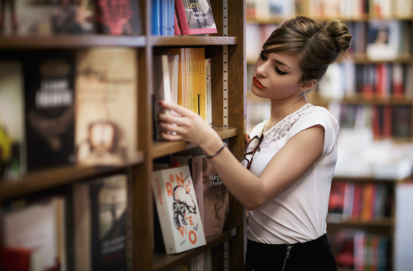 krasotka-v-biblioteke